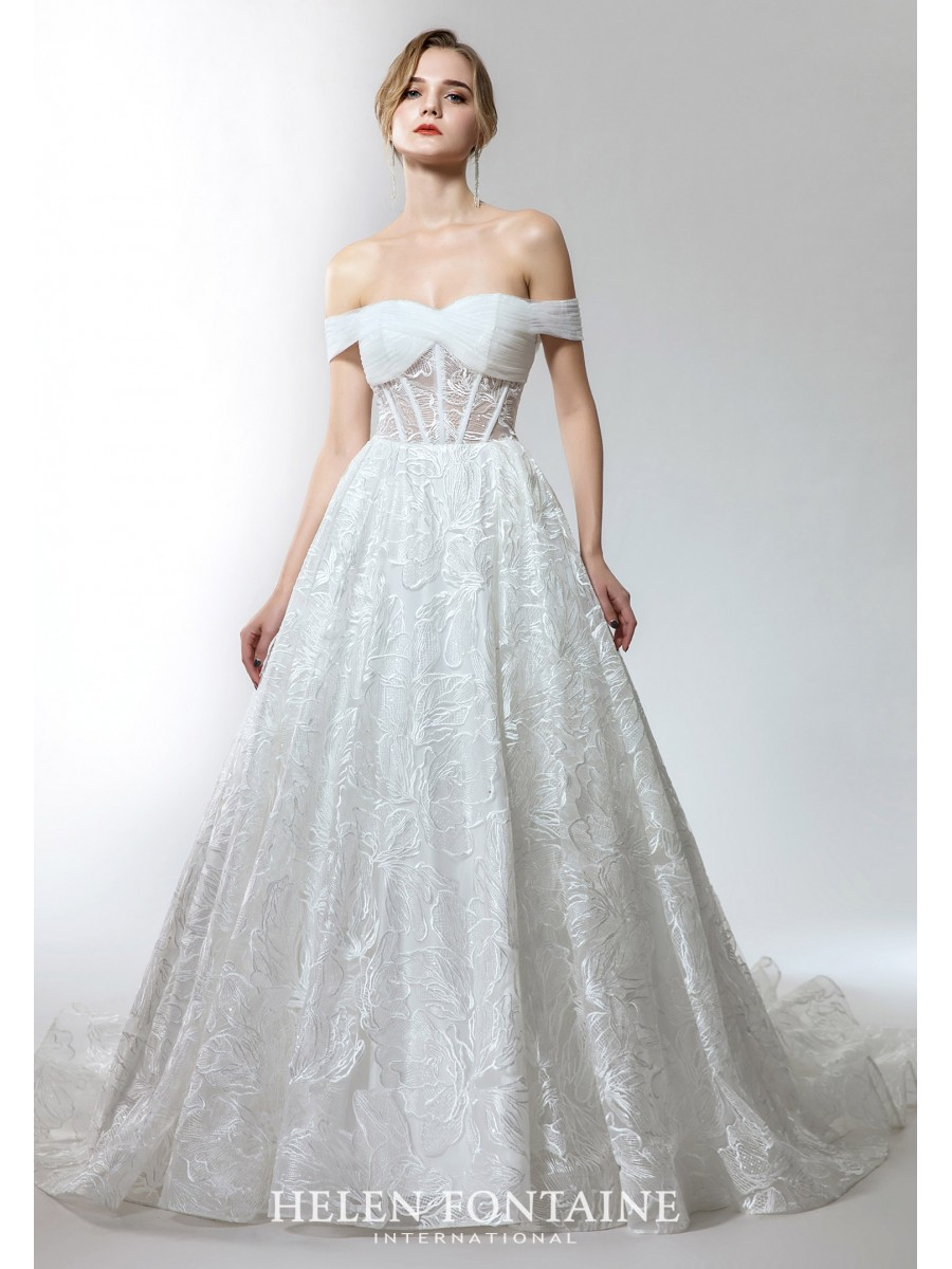 OFF-THE-SHOULDER WEDDING GOWN IN STYLISH LACE